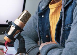 Cómo hacer una entrevista en podcast? Consejos y recomendaciones.